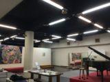 電波度劇場のピアノ