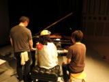 ピアノ連弾3人