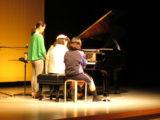 3人でピアノ連弾